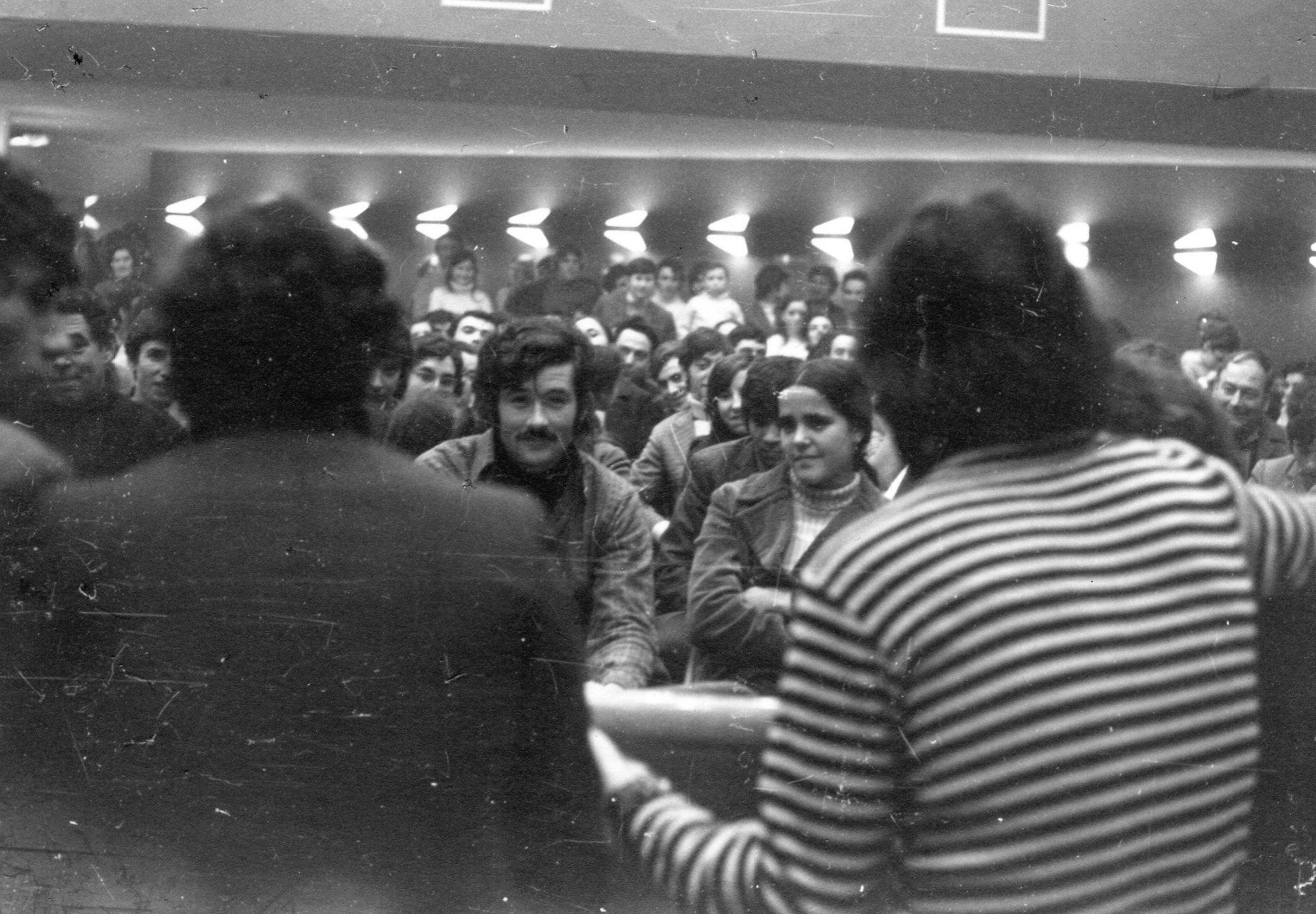 4-Teatro e Tino Flores de costas- anos 70:Grenoble copie 2